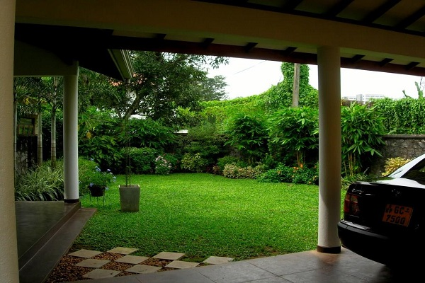 House garden design in sri lanka home design and style for Home landscape design sri lanka