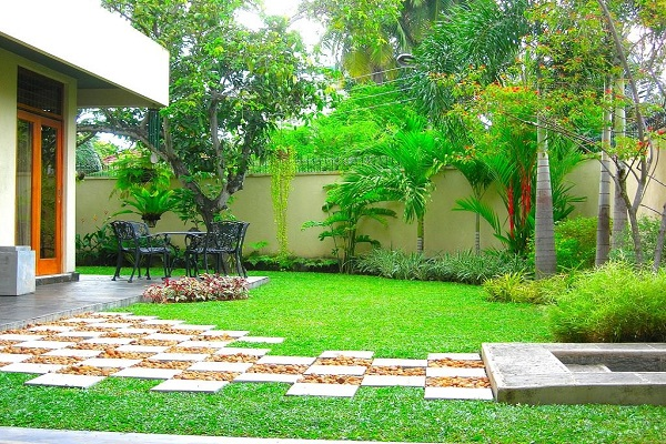 House of green completed gardensjithari c 1 18 garden for Home landscape design sri lanka